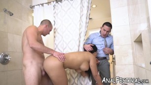 Busty babe with huge ass Rose Monroe fucked in threesome